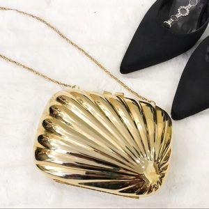 - Vintage shell evening bag
